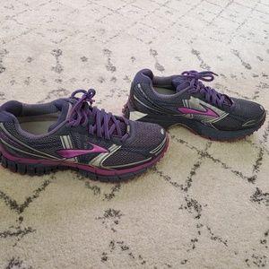 Brooks GTX running shoes